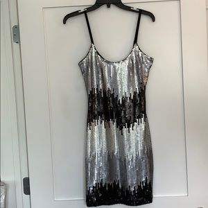 Guess SizeM Silver Black Sequin Stretch Dress